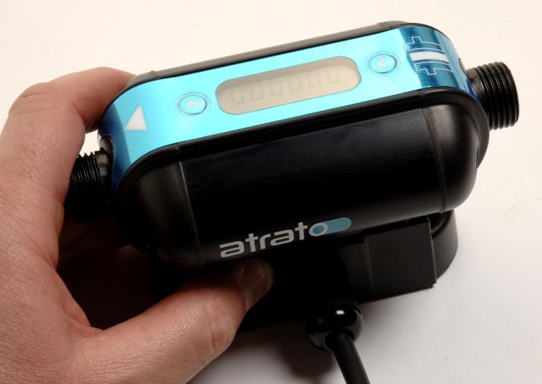 ネジ式接続部品にVICTREXR PEEK?を採用した英タイタン社のフローメータ「ATRATO」