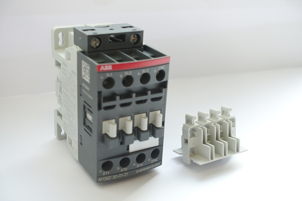 ABB 社の接触器