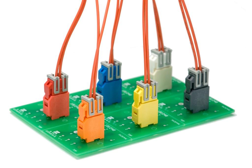 CP-6.5電線対基板用コネクターシステムに4極と6極製品を追加