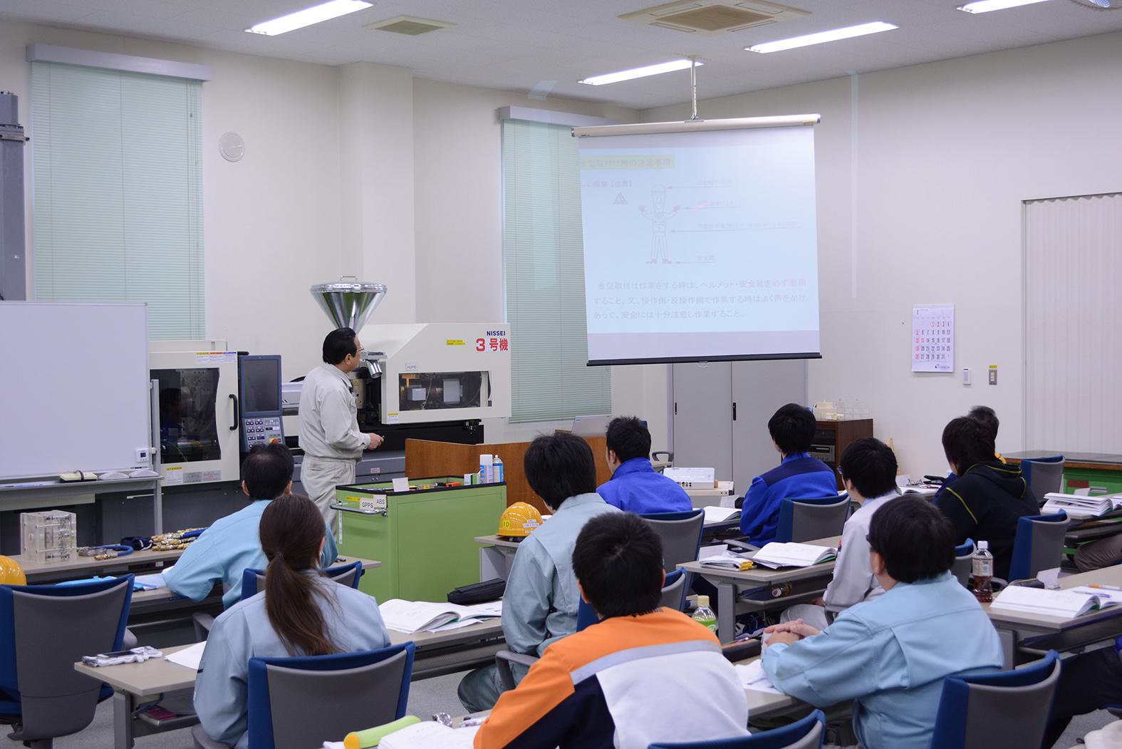 日精スクール 基礎知識習得に特化したWEBコースを開設